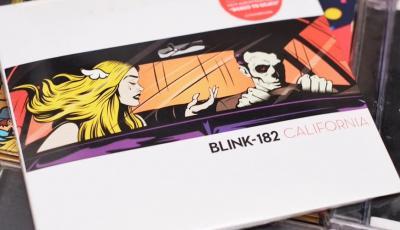 Escucha Parking Lot, lo nuevo de blink-182